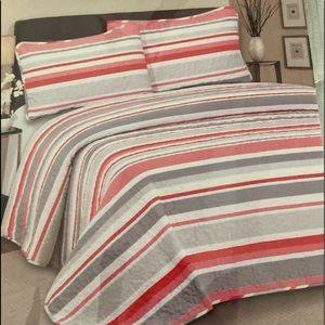 Hotel at home 3pc Quilt set Queen Stripes
